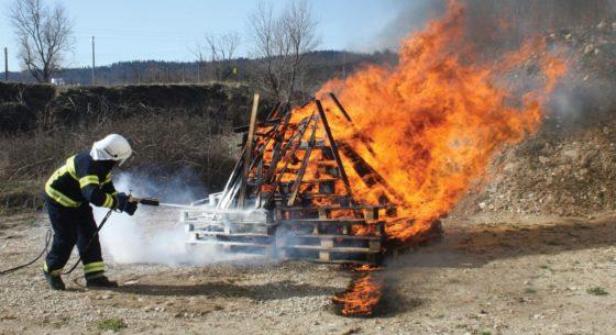 firestop-200-30-vatrogasni-uređaj-cromet-rijeka-gallery-1