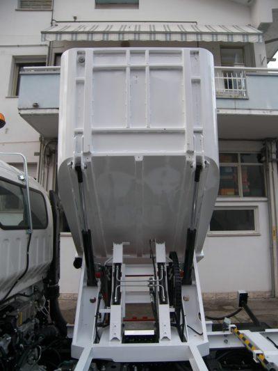 komunalno-vozilo-za-prikupljanje-otpada-rossi-q25-cromet-rijeka-2