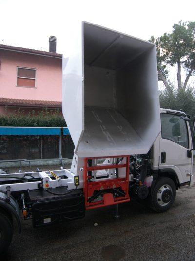 komunalno-vozilo-za-prikupljanje-otpada-rossi-q25-cromet-rijeka-3