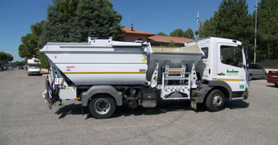 komunalno-vozilo-za-prikupljanje-otpada-rossi-q25-cromet-rijeka