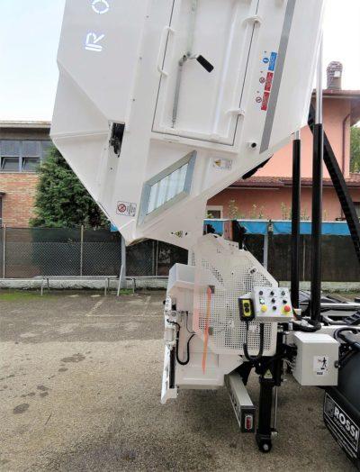 komunalno-vozilo-za-prikupljanje-otpada-rossi-r200-cromet-rijeka-10