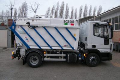 komunalno-vozilo-za-prikupljanje-otpada-rossi-r200-cromet-rijeka